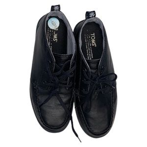 TOMS Boy's Paseo Lace Up Chukka Boot 6 Black